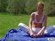 Yoga with stunning Alexis Crystal - xczech