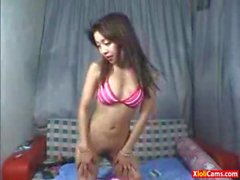 Cute Chinese Teen Dancing Nude On Webcam