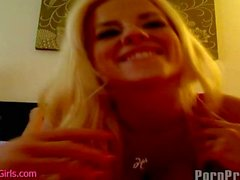 Hot Blonde Masturbates on Camera