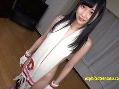 Jav Teen Reina Tsukimoto Teases Wearing Scarf And Gloves
