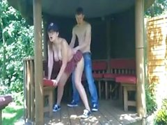 Teen couple fuck in the backyard