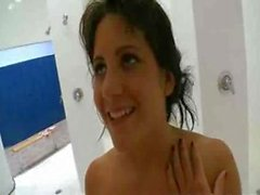 Shower Haandjob A La Billi Ann