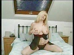 Alicia Rhodes: Extreme Masturbation