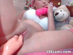 Petite blonde fistingtoy her pussy