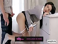Flirty schoolgirl Paula gets facialed