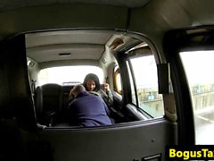 Young ebony hottie gives cabbie head