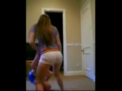 Seductive ass dancing with funny Persian music !