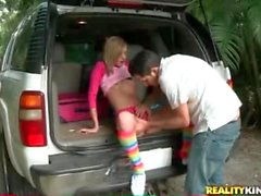 Sucking on tasty teen pussy in the back of the car