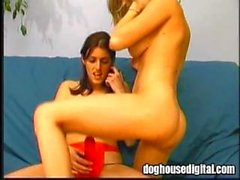 Two girls from Montreal enjoy a strapon