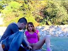 Real hussy gets open air oral