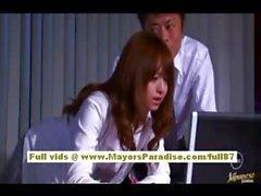 Akiho Yoshizawa Chinese girl gets abused at work