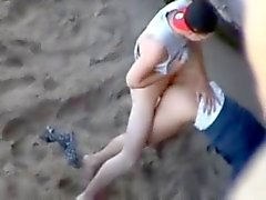 Quick and Hard fuck on the Beach