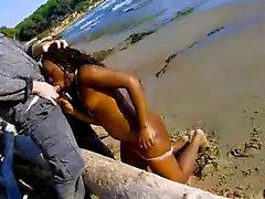 amateur ebony couple get crazy outdoor