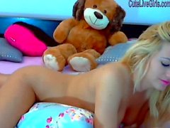 gorgeous blonde masturbating with a dildo 4 .wmv