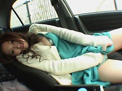 Kinky young whore sucks guys pole in the car