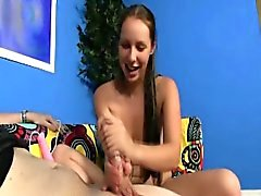 HJ loving teen uses toy during tugjob