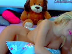 gorgeous blonde masturbating with a dildo 7 .wmv