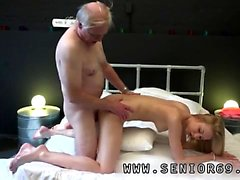 Giving straight guy blowjob Alice is horny, but Daniel wants