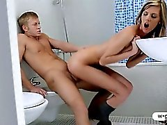 Skinny teen Cindy fucked in the bathroom