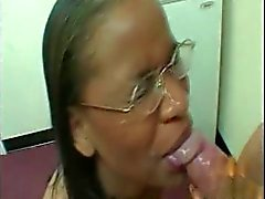 ebony gives sloppy blowjob facial