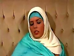 Horny Female Arab Masturbates