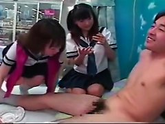 Amateur Asian teen in threesome
