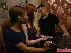 Submissive 18yo deepthroating in hostel