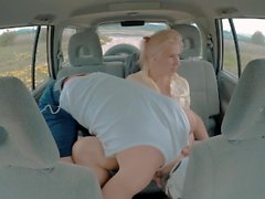 Young girl seduce the Taxi Driver and fuck with him next to the Public Road