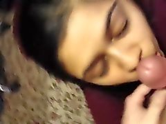 Desi Indian blowjob. www. sexxyfreecams. com