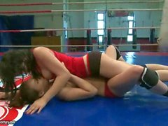 Sexy young girls fighting