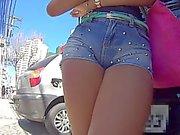 Bucetuda toda socada no shortinho jeans