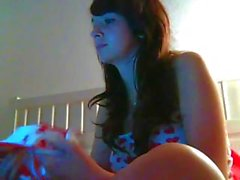 Opalescent missy with a delish tunnel shows her camel toe on cam