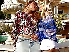 Lesbian fun from teens