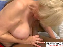 Busty Girlfriend Mom Lola Lee Gives Handjob Sweet Young Son