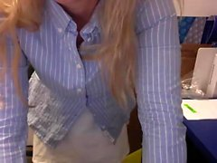 Blonde amateur teen sucking and fucked in bed on webcam