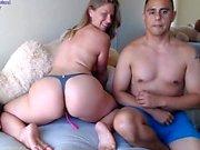 Kinky Foot Fetish Teen gives a foot job