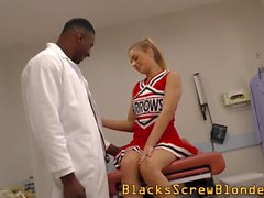 Blonde cheerleader reamed