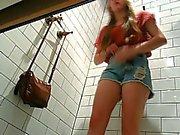 Espiando en Vestidores #08