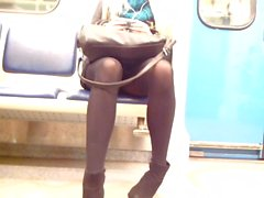 Sexy baby with sexy legs in metro Geile Nylon Beine!
