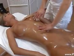 Nessa Devil & Victoria Rose, massage
