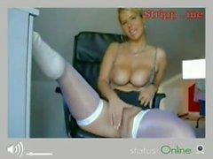 so horny chick on webcam180318