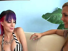 Horny MILF licks punky teens wet cunt on the couch