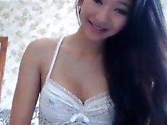Stunning Asian Webcam Teen Masturbates Outside
