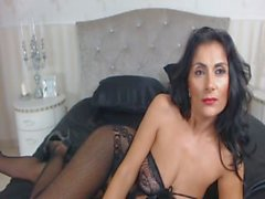 cams3.xyz - raven haired milf in sexy body suit teases