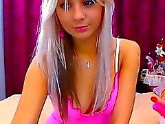 Smoking hot petite blonde plays on cam