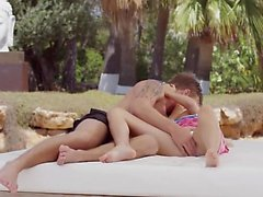 Blonde gives outdoor blowjob