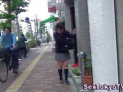 Japanese schoolgirls flashing their sexy panties