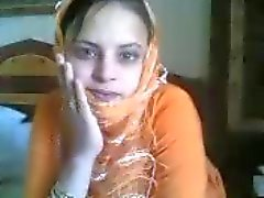 arabic uae girl show nice anal