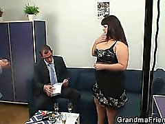Chubby lady is invited to photosession then double fucked
