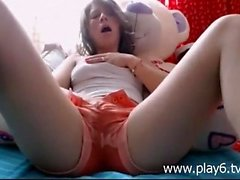 Beauty Hot Teen Fingering Squirting On Webcam